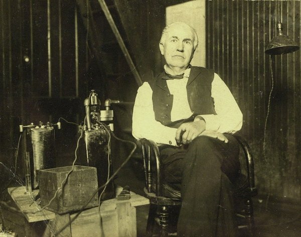 626: THOMAS A EDISON - Over 70 Silver-Print Photographs
