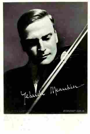 Violinist, Conductor YEHUDI MENUHIM  Photo