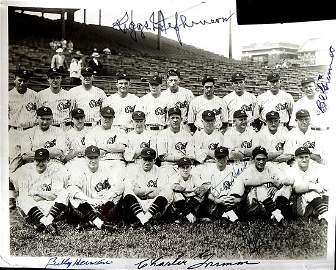 1932 Cubs Signed Photo