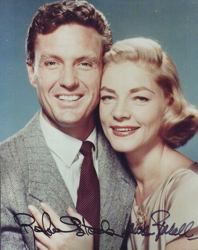 15: LAUREN BACALL & ROBERT STACK - Color Photo