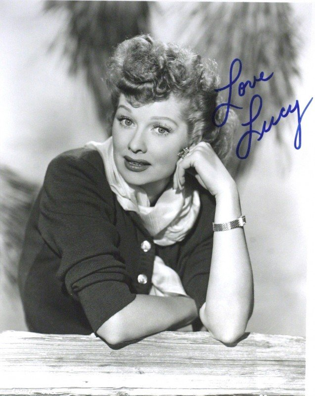 16: Comic LUCILLE BALL - Photo Signed
