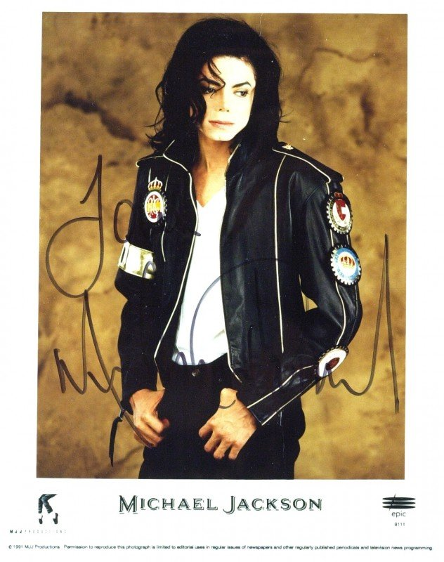 330: MTV Singer MICHAEL JACKSON - Color Photo Signed
