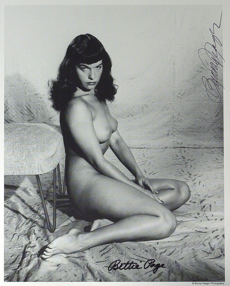 227: BETTIE PAGE - Naked Photo Signed