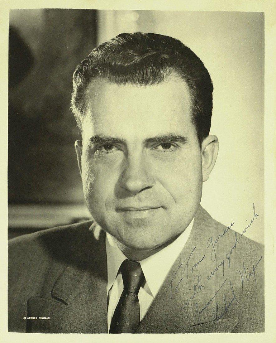 114: Pres RICHARD NIXON - Portrait Photograph