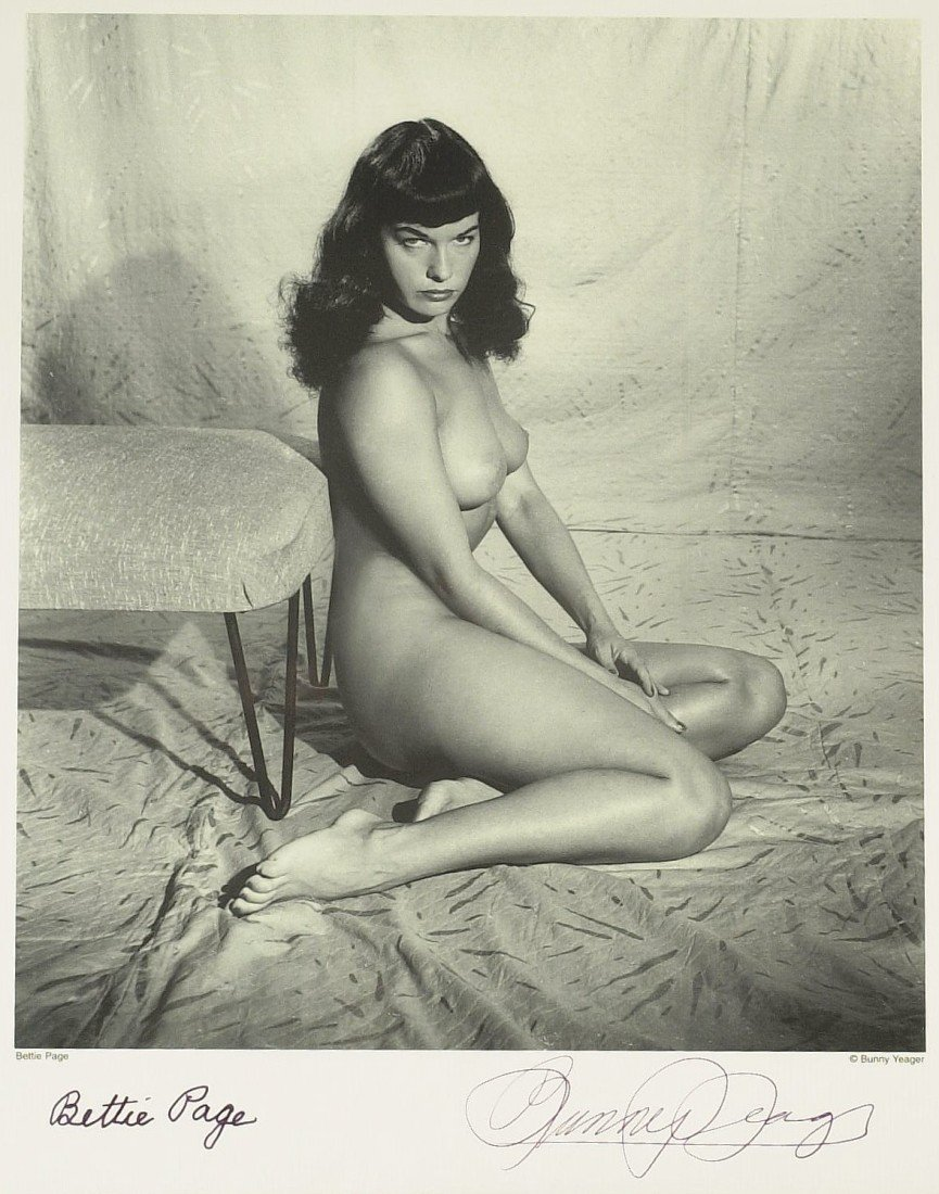 665: Pin-Up Model BETTIE PAGE - Nude Photo Signed