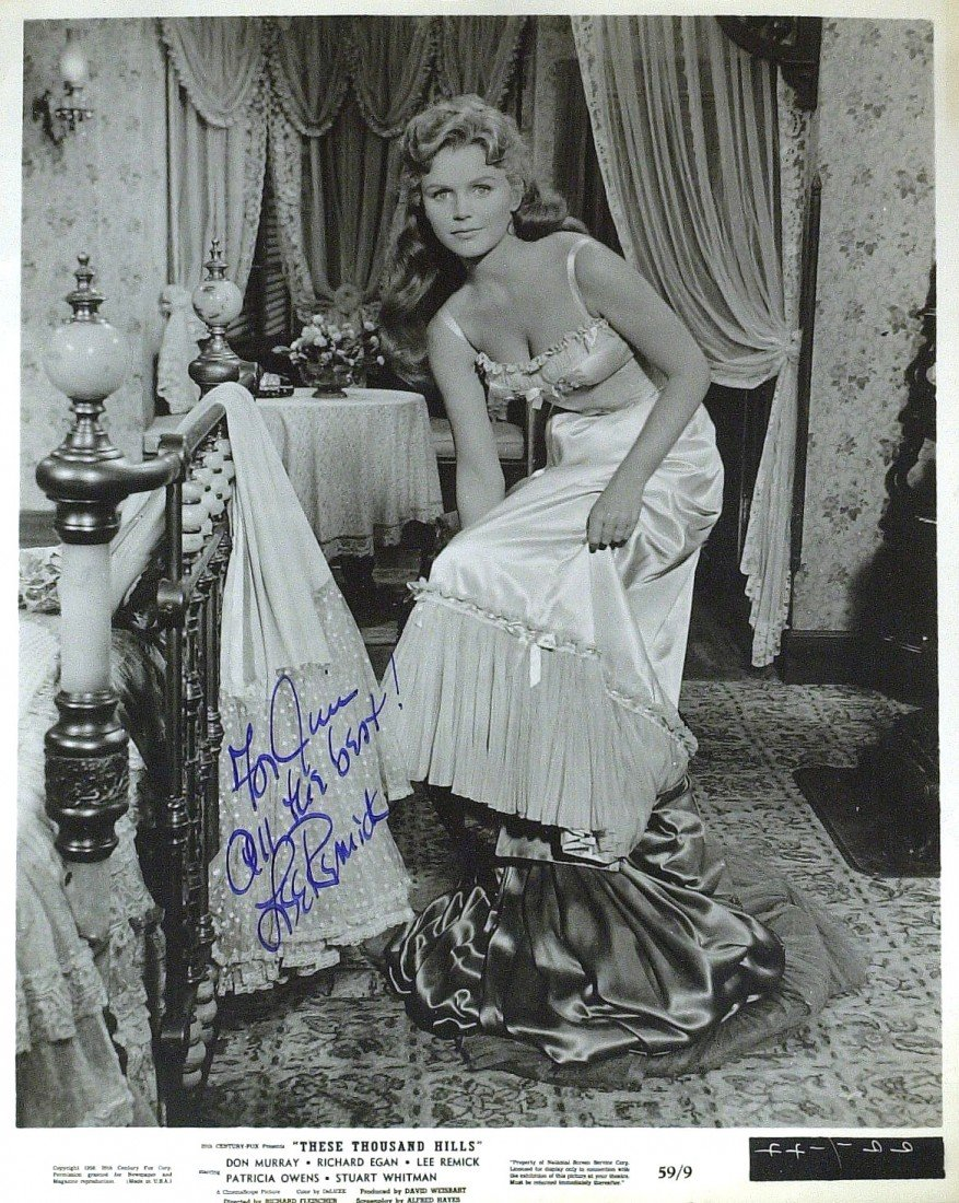 680: Actress LEE REMICK - Photo Signed