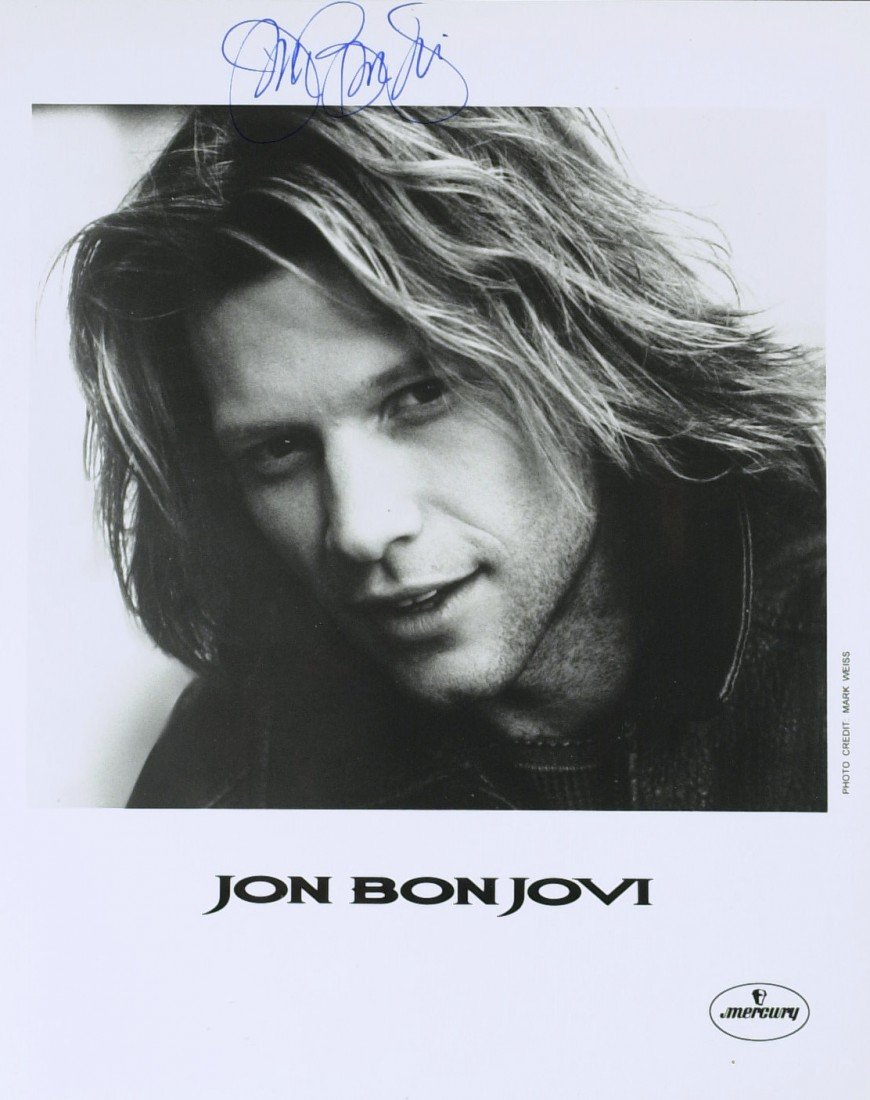 741: JON BON JOVI - Photo Signed *FULL SIGNATURE*