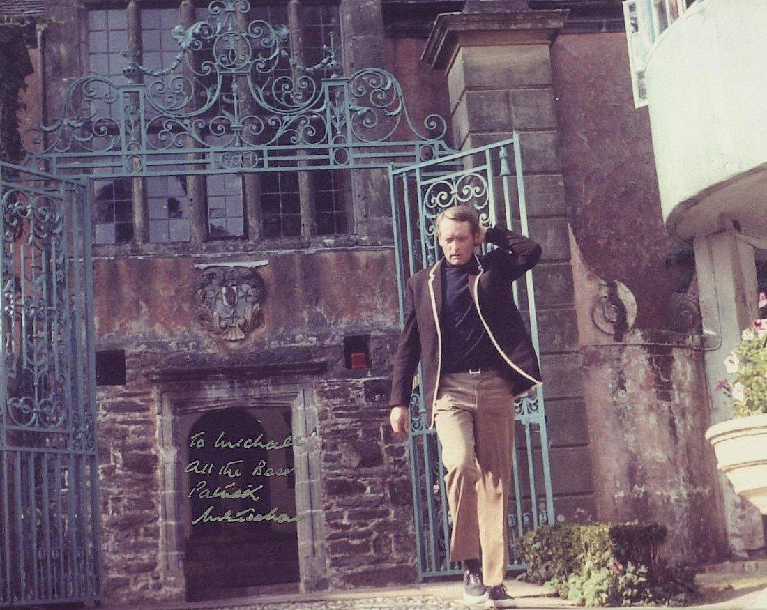 1231: Actor PATRICK McGOOHAN - Color Photo Signed