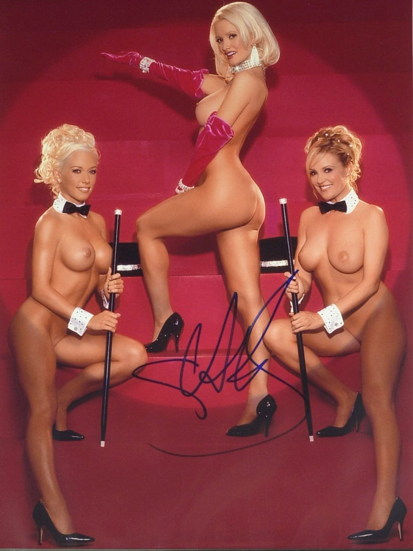 1555: Model HOLLY MADISON - Nude Photo of Threesome