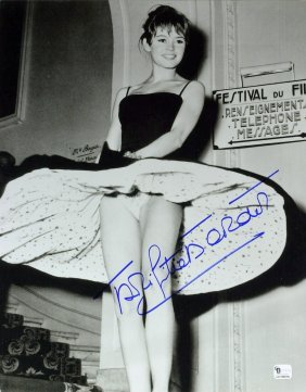 French Actress BRIGITTE BARDOT - Sexy Photo Signed