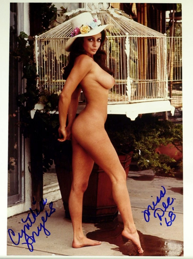 Deceased Model CYNTHIA MYERS - Nude Photo Signed
