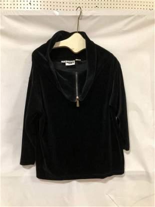 DKNY Black thick flocked 1/2 zipper shirt size P