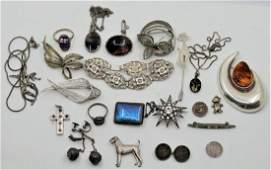 A collection on silver jewellery, to include a French