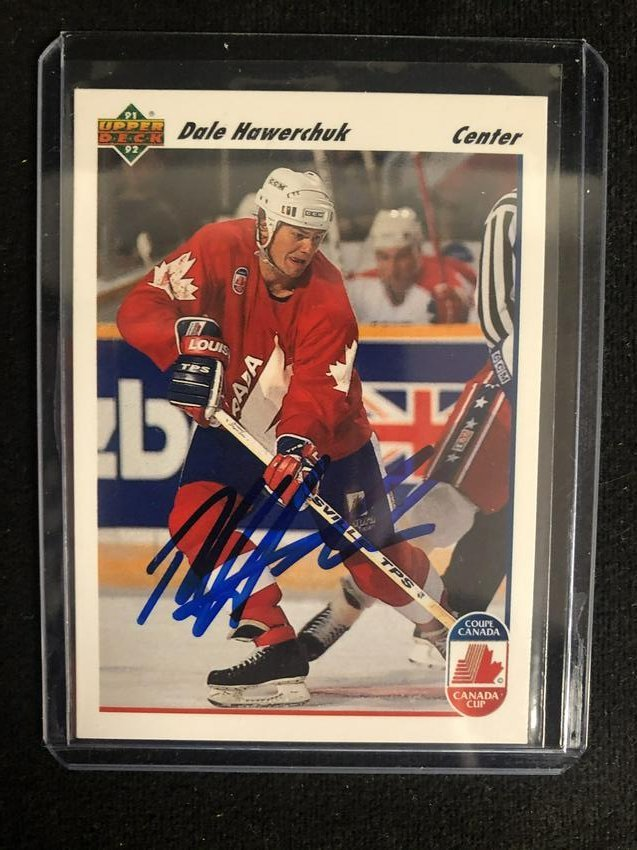 DALE HAWERCHUK SIGNED 1991-92 UPPER DECK HOCKEY CARD