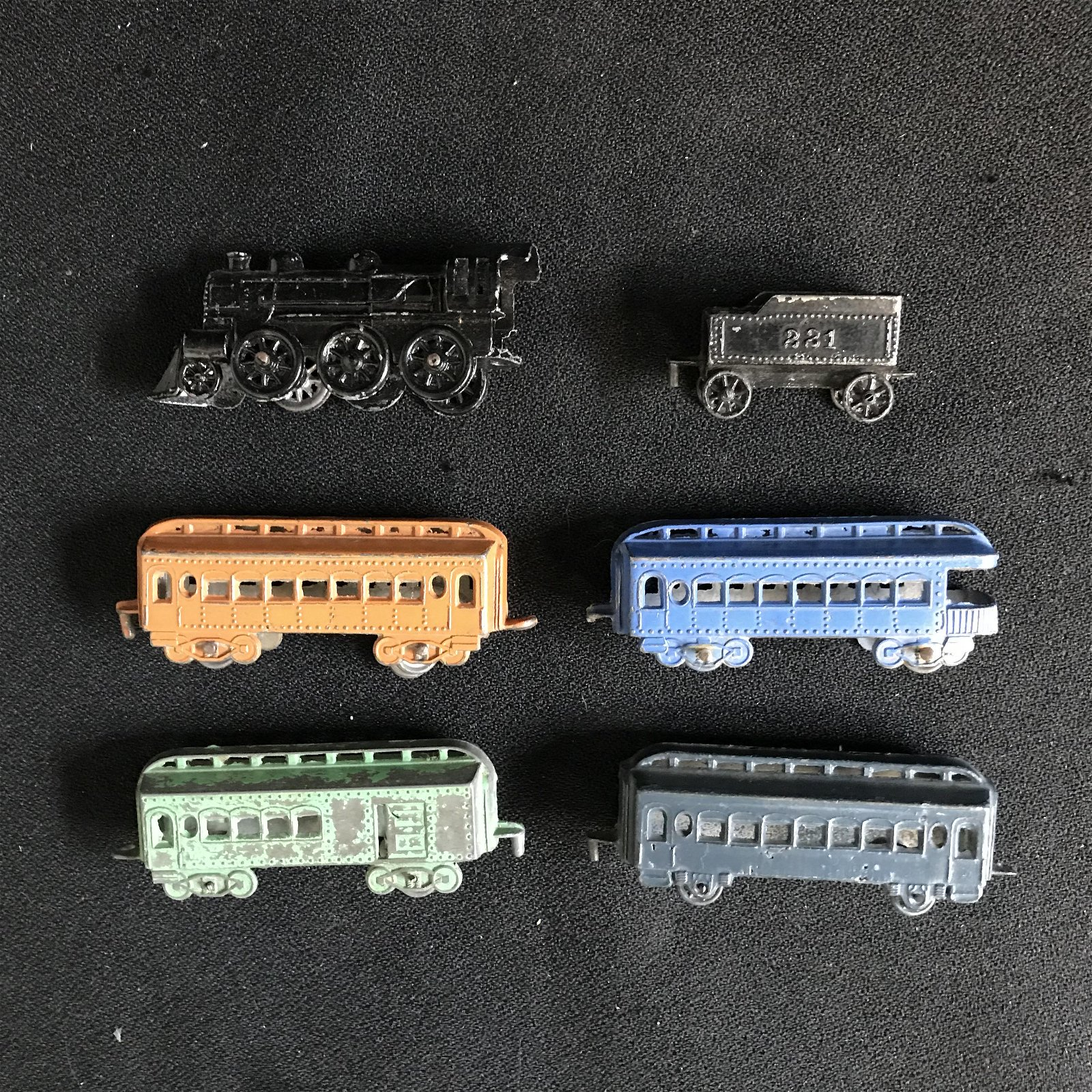 Vintage Die Cast Metal Tootsie Toy Model Rail Road Trai