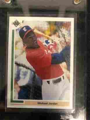 1992 UPPER DECK BASEBALL MICHEAL JORDAN ROOKIE CARD