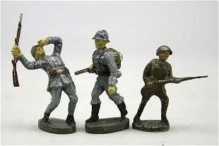 3 Soldaten, 2 Elastolin Franzosen, 1 mit Gewehr,