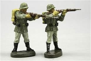 2 Soldaten, stehend schießend, E und Bellum, L 7,