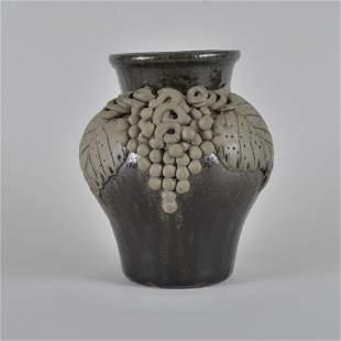 Lanier Meaders Applied Grape Vase