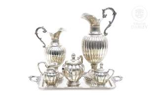 Tea set with tray and two jugs in Spanish silver, 20th