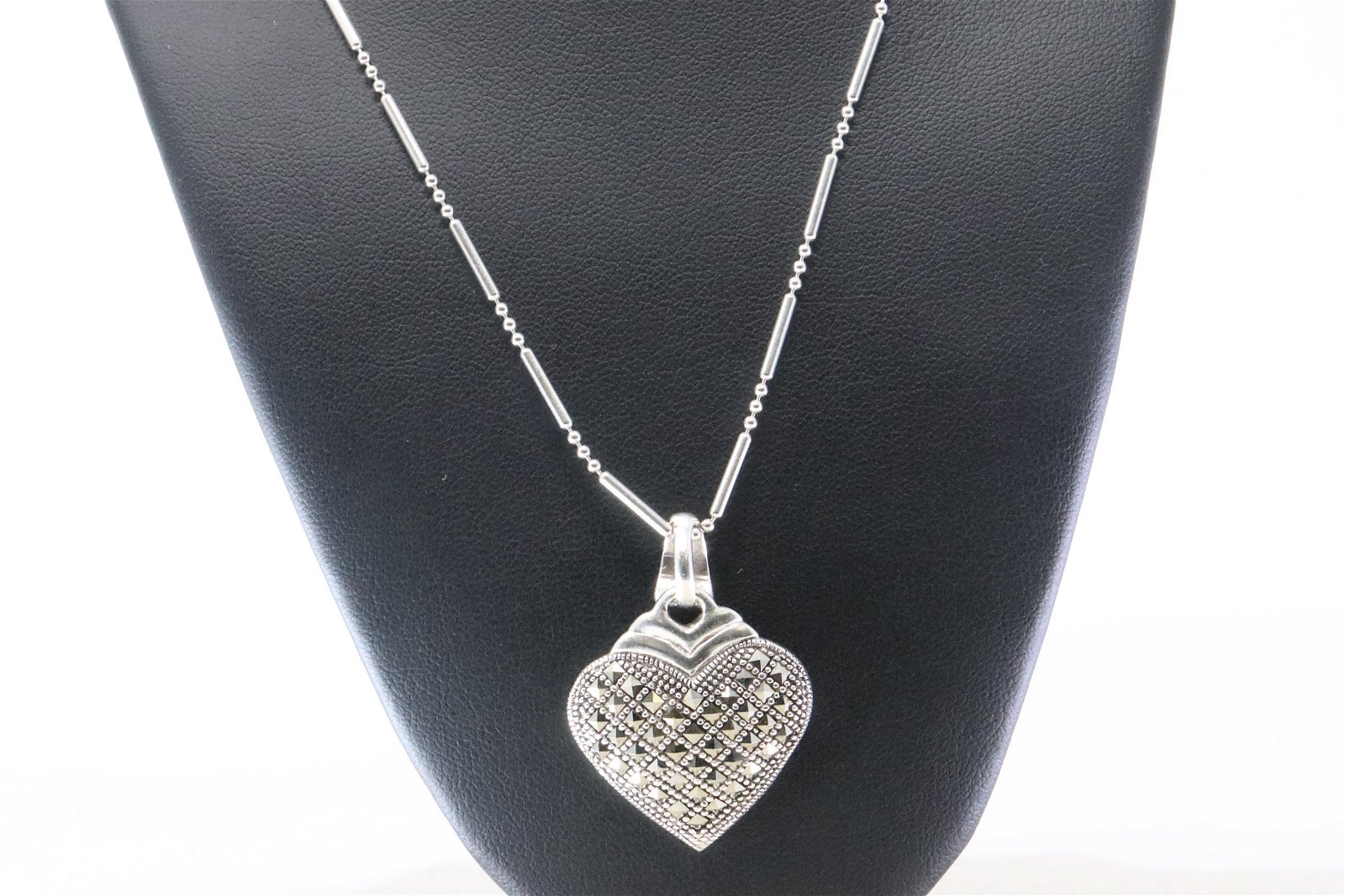 Ladies Silver 925 Heart Necklace.