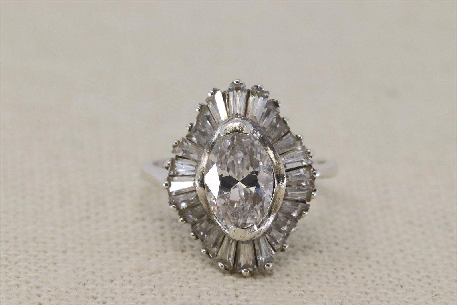 Ladies 925 Silver Modern Ring.