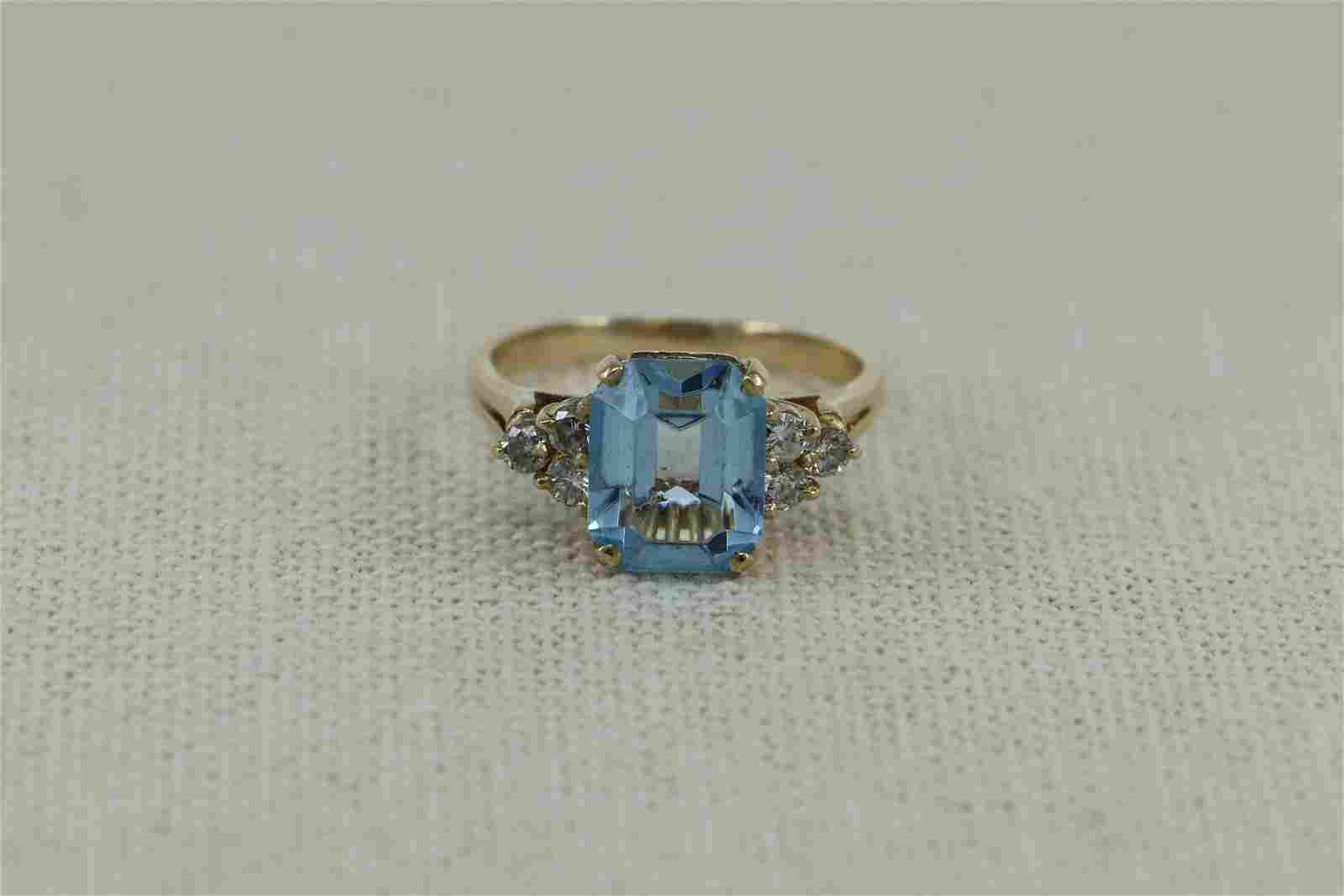 14K Diamond w/ Blue Topaz Ladies Ring