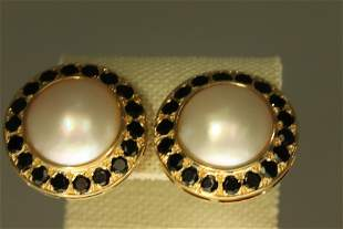 18KT GOLD EARRINGS WITH PEARLS AND ONYX