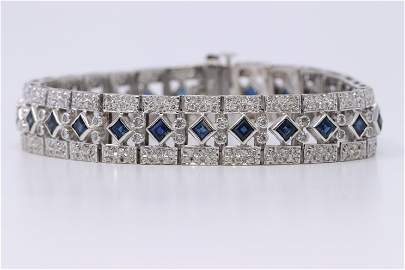 Vintage Design  Ladies 14K sapphire and Diamond accent