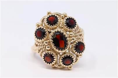 Vintage 14k Garnet Ladies Ring