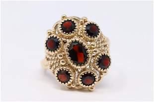 Vintage 14k Garnet Ladies Ring