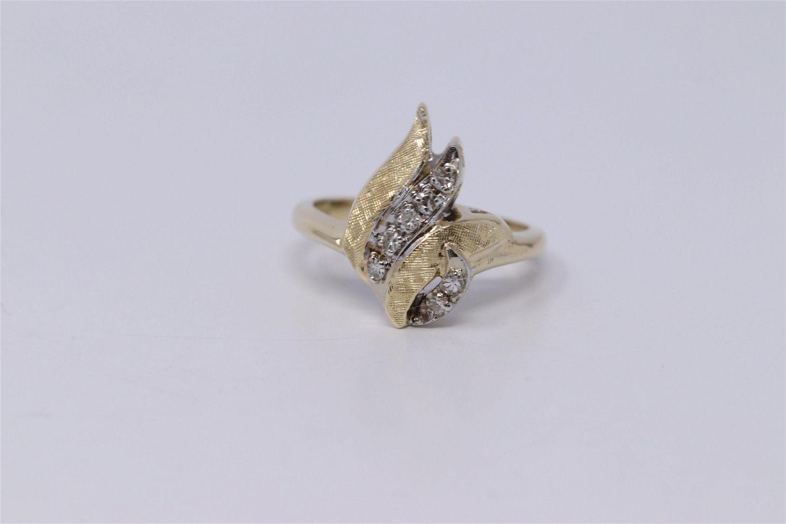 Vintage 14k Flower Diamond Ring
