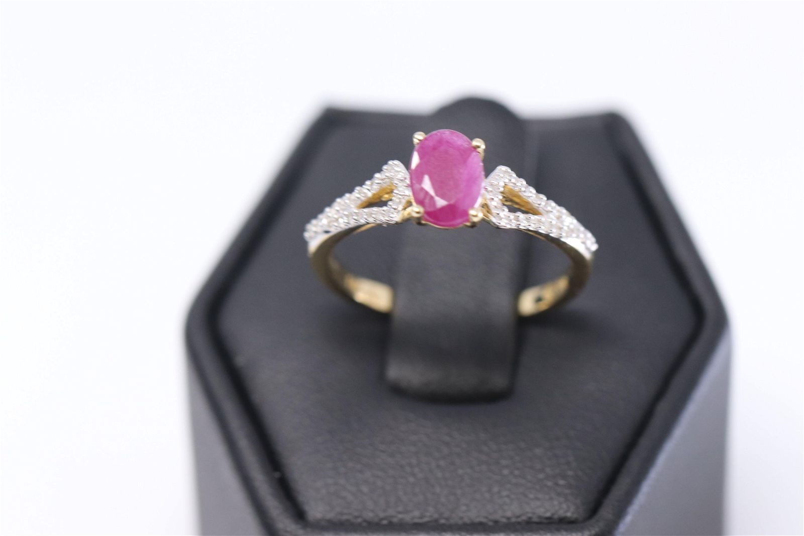 14KT Yellow Gold Diamond Ring/ Red Ruby