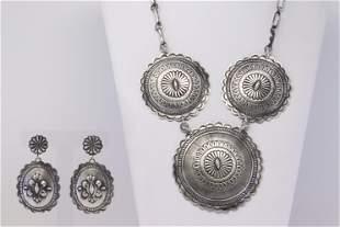Native America Navajo Handmade Sterling Silver Necklace