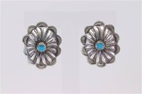 Native America Navajo Sterling Silver Turquoise Post