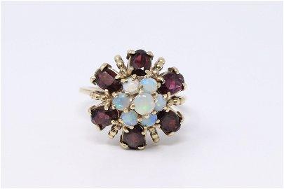 14Kt Yellow Gold Vintage Garnets / Opal Ring.
