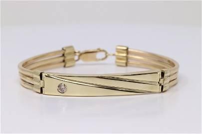 14Kt Yellow Gold Diamond Bracelet.