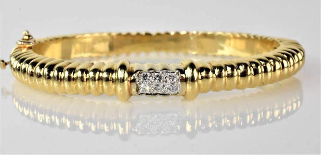 14K Gold & Diamond Ladies Bangle Bracelet