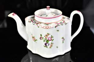Early 19th Century New Hall Porcelain Teapot