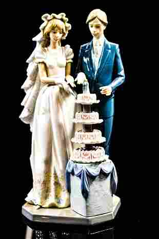 "Lladro Figure ""Wedding Cake"" #5587"