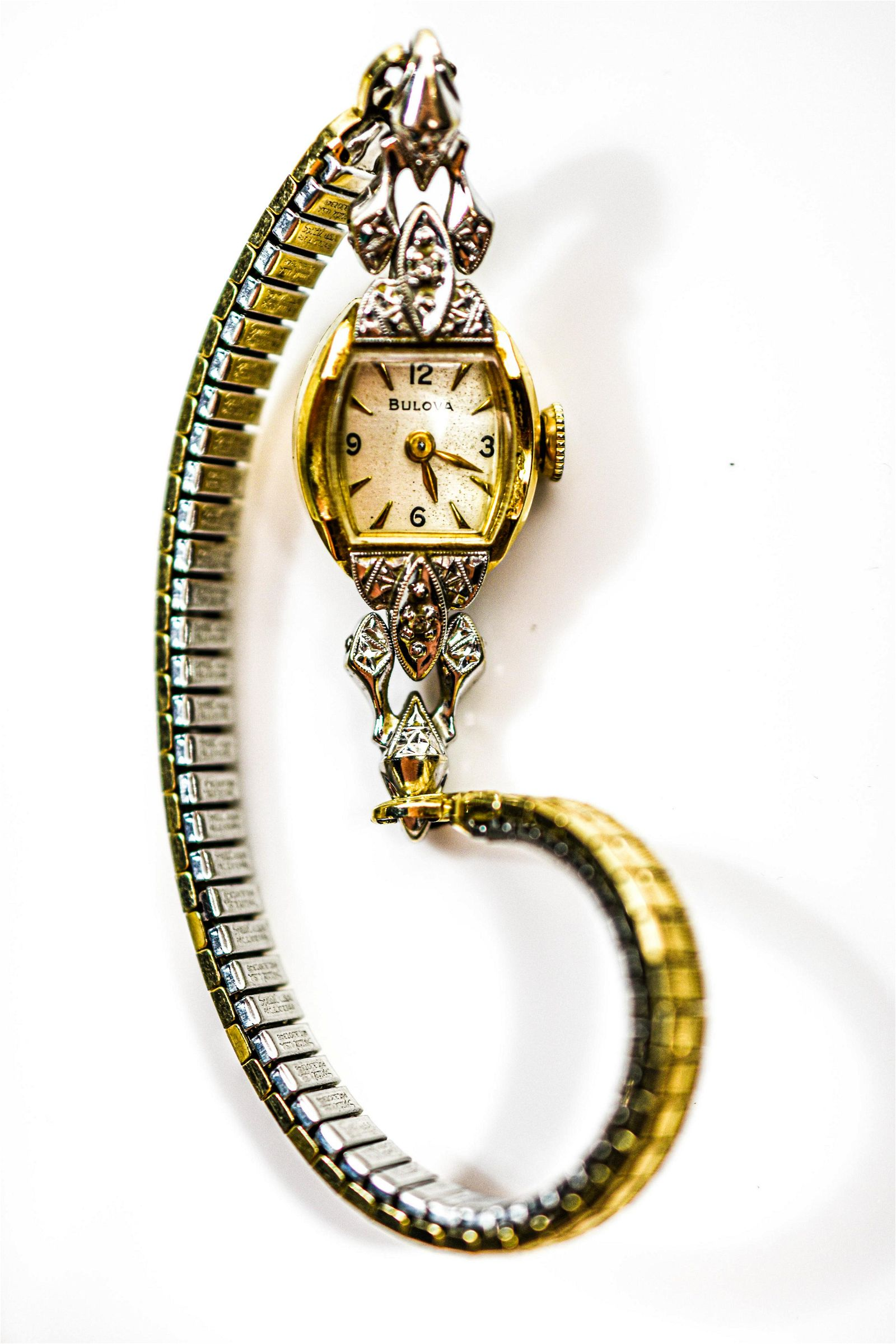 14K Yellow Gold Bulova Ladies Wrist Watch