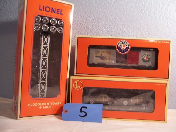 5: Lionel 14092 Tower,17558 (2) cars 36270 box car