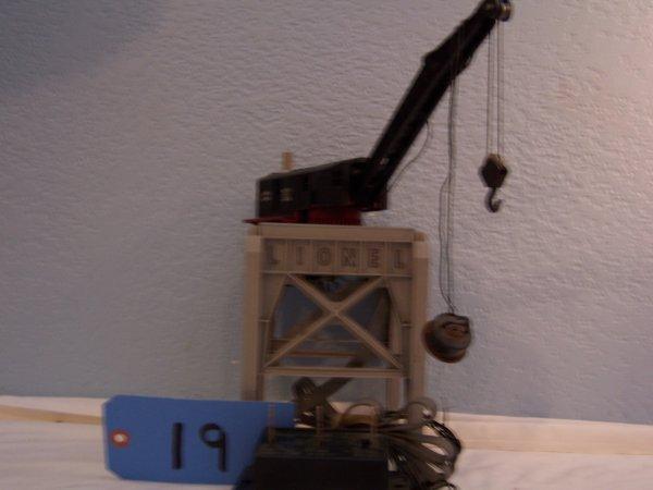 19: Lionel 282R Gantry Crane