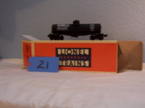 21: Lionel 51300 Shell Tanker Car