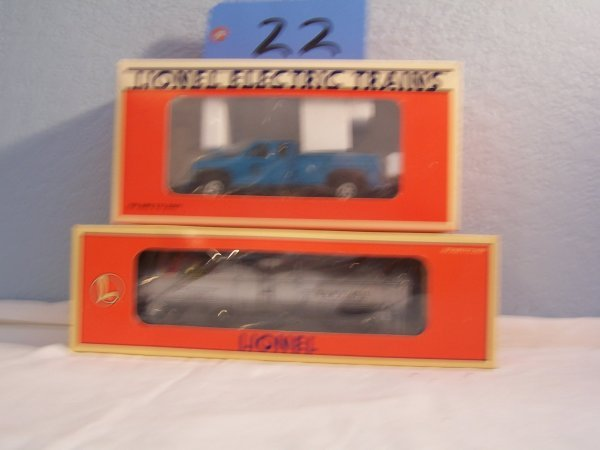 22: Lionel Tanker 19607 Lionel On-Track pickup 18424