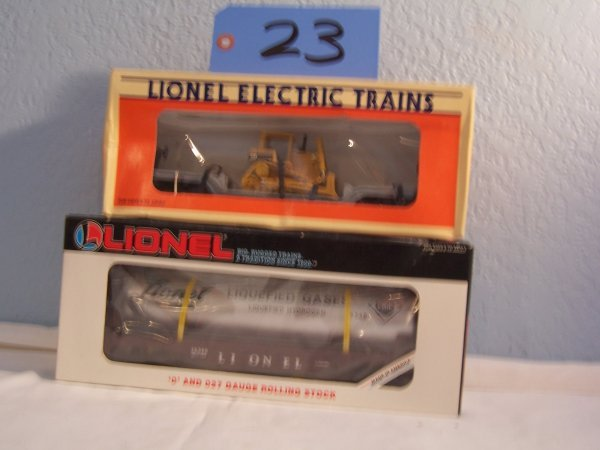 23: Flat Car w/Dozer 16935 Lionel Gas Car 16348