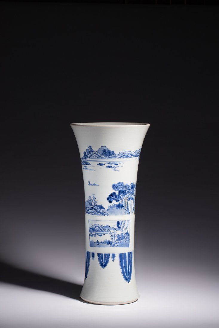 A LARGE BLUE AND WHITE GU-FORM VASE, CHONGZHEN PERIOD