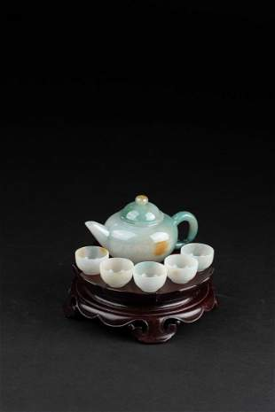 A SET OF JADEITE TEAPOT AND SMALL CUPS