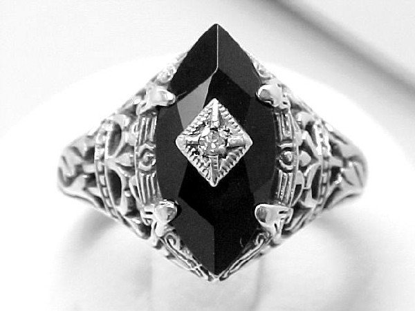 ANTIQUE STYLE STERLING SILVER RING  BLACK ONYX  DIAMOND