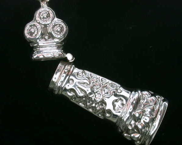 ANTIQUE STYLE STERLING SILVER NEEDLECASE SEW